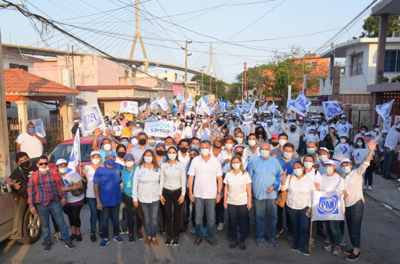 Respaldan vecinos de la Tamaulipas y Telegrafistas a Chucho Nader