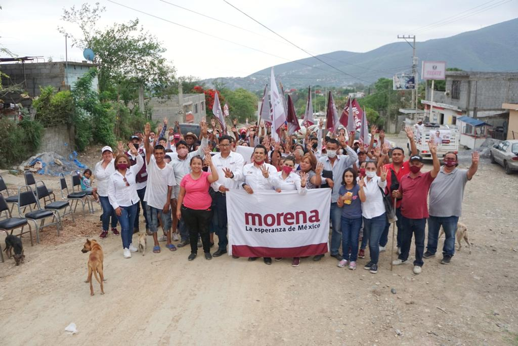Crece caravana de La Esperanza con Gattás en colonias populares.