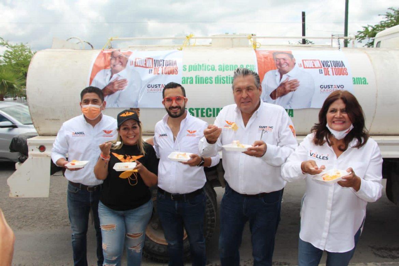 """MC lleva pastel a Comapa por 39 años de ser """"caja chica"""""""