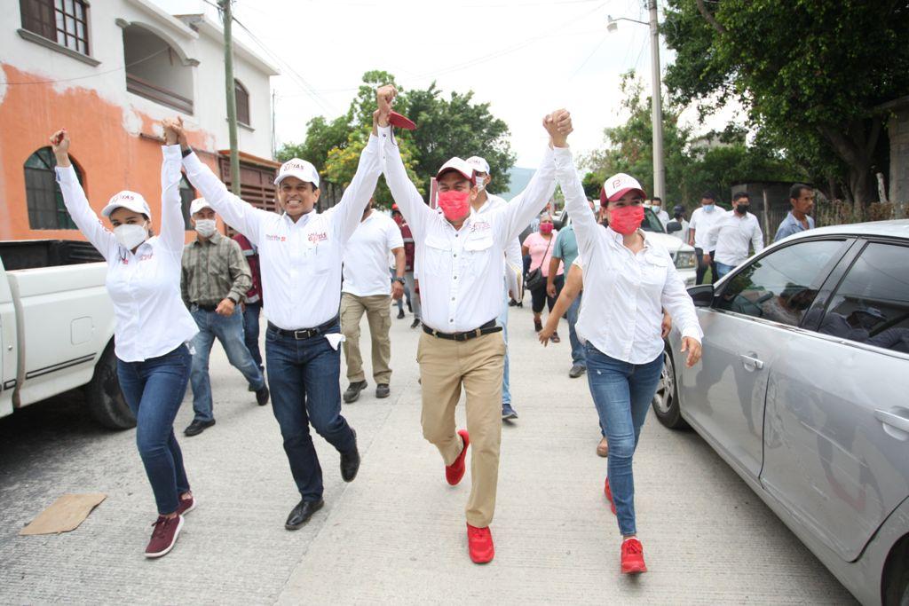 Llama Lalo Gattás a adversarios políticos elevar nivel de campañas