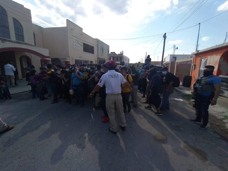 Pese a masacre, siguen llegando migrantes