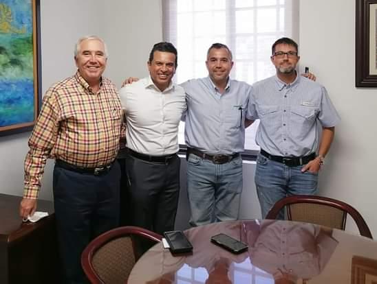 Se reúne Lalo Gattás con empresarios