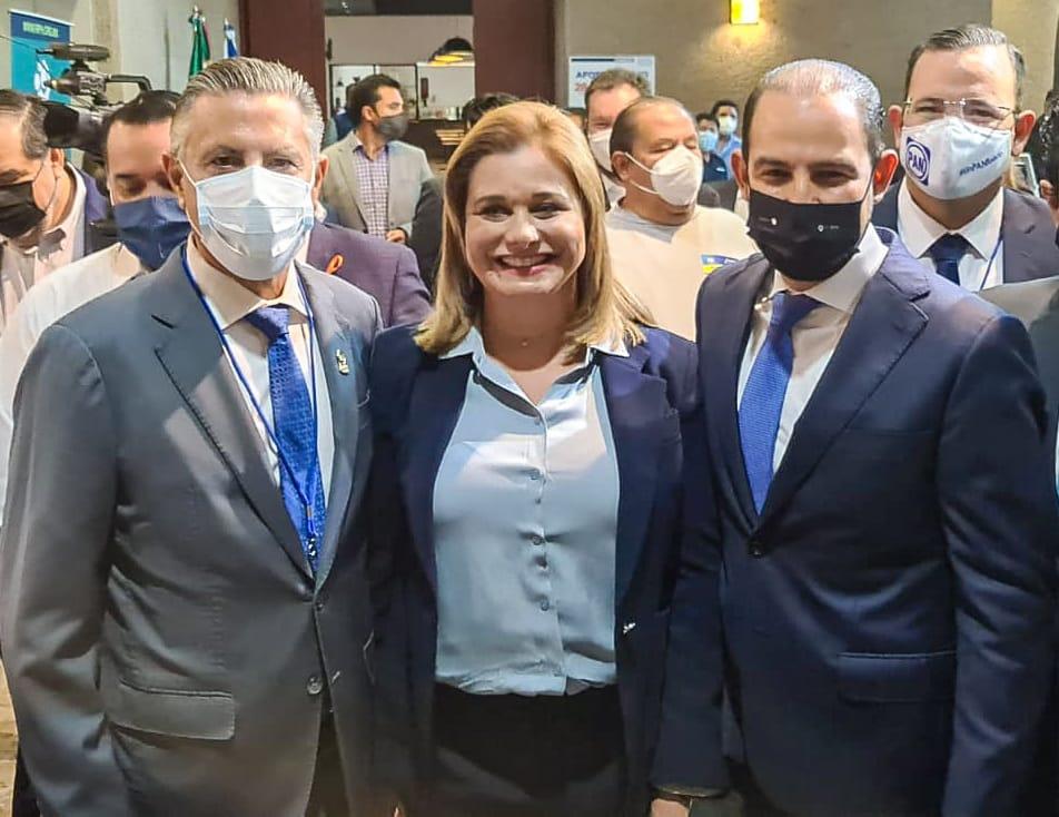 Va Chucho a reunion de alcaldes del PAN
