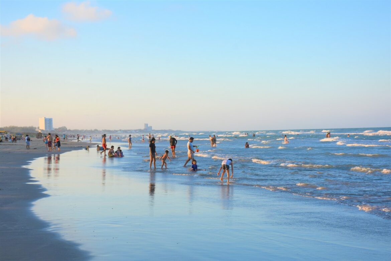 Playa Miramar se mantendrá abierta: Adrián Oseguera.