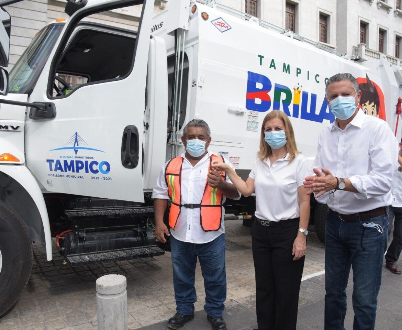 Entrega Chucho Nader Tres Modernos Camiones Recolectores de Basura